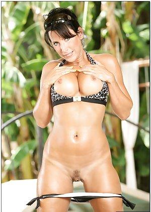 Hot Bikini Pussy Pics